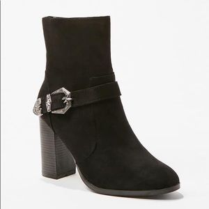 buckle accent ankle boots